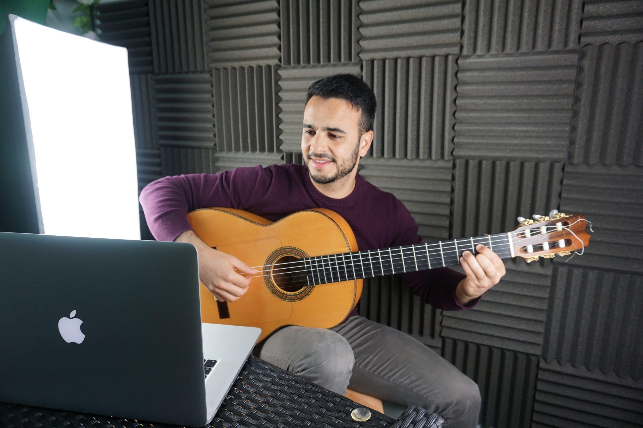 Profesor y Clases de guitarra flamenca
